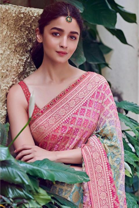 Beautiful Alia Bhatt in Sare