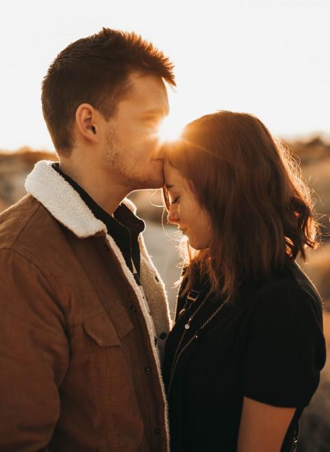 Happy Romantic Kiss Day - Wa