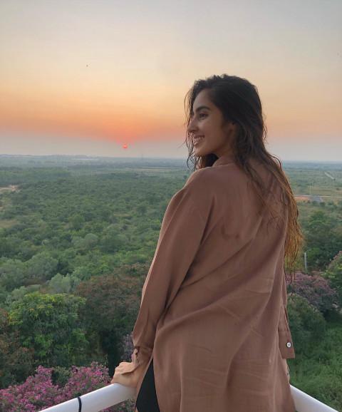 Indian Girl Model's Pose Pho