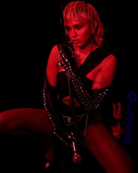 Miley Cyrus HD Photos Wallpa