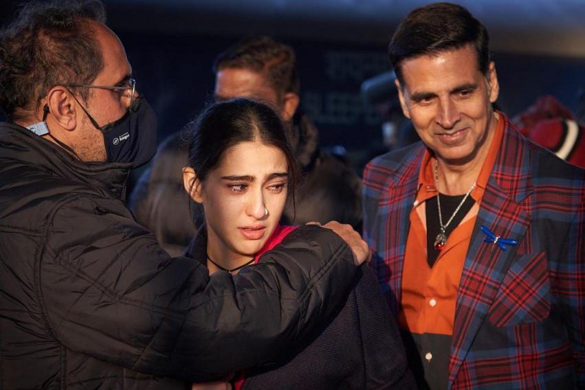Cute Sara Ali Khan with Aksh
