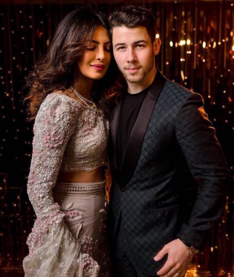 🔥 Priyanka Chopra with Nick Jonas HD Pics Wallpaper | Free Download  প্রিয়াঙ্কা চোপড়ার বিয়ের খরচ দিল নিজেই insta 4689czu