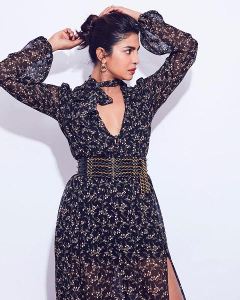 Priyanka Chopra hot HD Pics
