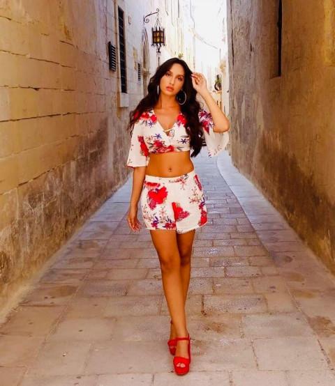 Nora Fatehi Hot HD Pics | Wa
