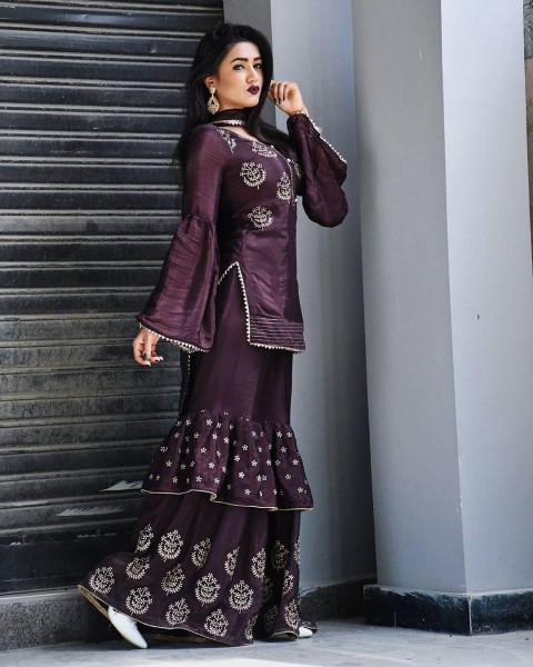 Gima Ashi beautiful dress Ba