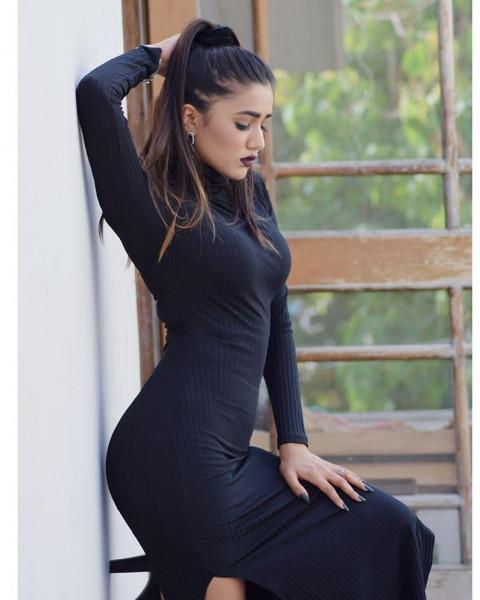 Gima Ashi black dress Bahot