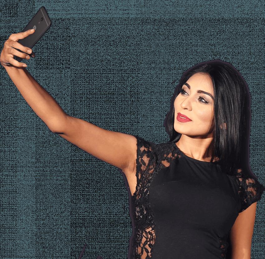 Taking Selfie Girl PNG | Tra