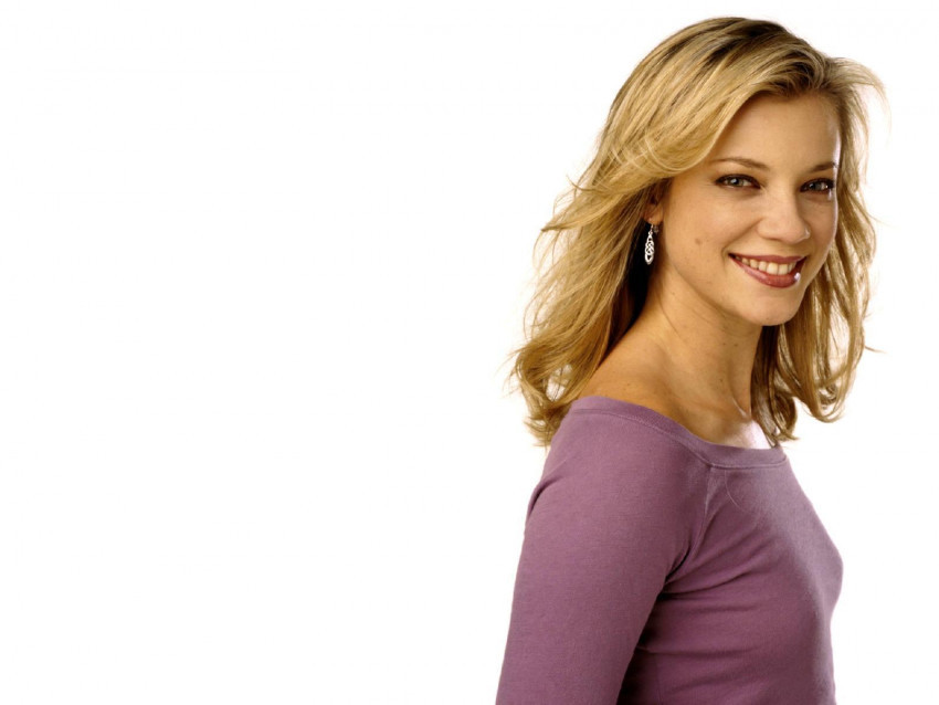 Amy Smart Wallpapers Photos