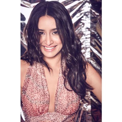 Shraddha Kapoor smile HD ima