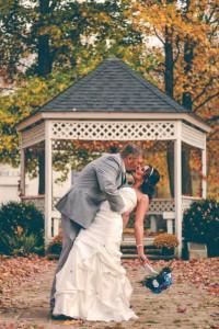 Kissing Full HD Wallpaper -