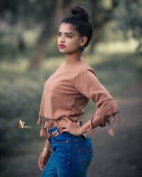 Indian Girl Model Pose Photo