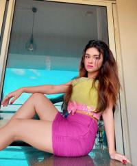 Avneet Kaur hot HD Photos Wa