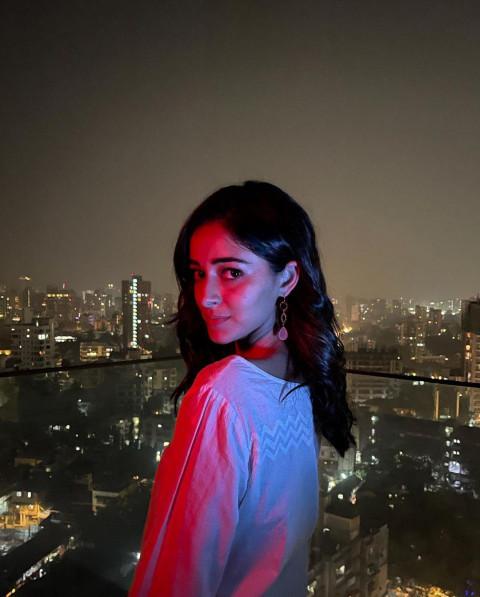 Cute Ananya Panday HD Pics  