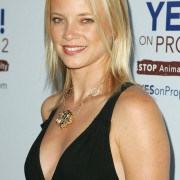Amy Smart Wallpapers Photos Pictures WhatsApp Status DP Cute Wallpaper