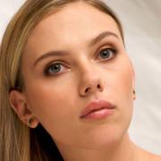 Scarlett Johansson Close-Up Wallpapers Photos Pictures WhatsApp Status DP